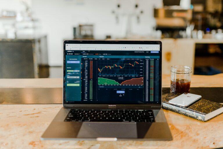 【股市平凡路 EP06】 Are you A Stock Investor or Trader?